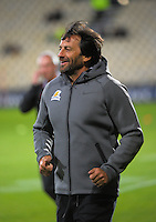 Jaguares coach Raul Perez runs out for the Super Rugby match between the Crusaders and Jaguares at AMI Stadium, Christchurch, New Zealand on Friday, 15 April 2016. Photo: Dave Lintott / lintottphoto.co.nz
