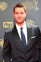 BURBANK - APR 26: Justin Hartley at the 42nd Daytime Emmy Awards Gala at Warner Bros. Studio on April 26, 2015 in Burbank, California