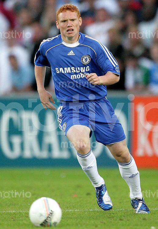 Fussball  Barclays Premiership  Saison 2006/2007 Michael WOODS (FC Chelsea), Einzelaktion am Ball