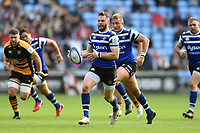 Max Wright of Bath Rugby goes on the attack. Heineken Champions Cup match, between Wasps and Bath Rugby on October 20, 2018 at the Ricoh Arena in Coventry, England. Photo by: Patrick Khachfe / Onside Images