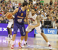 24.07.2012 Barcelona, Spain.  Pre-Olympic friendly game between Spain against USA at Palau St. Jordi. Picture shows Jose Manuel Calderon (L) and Deron Williams (R)