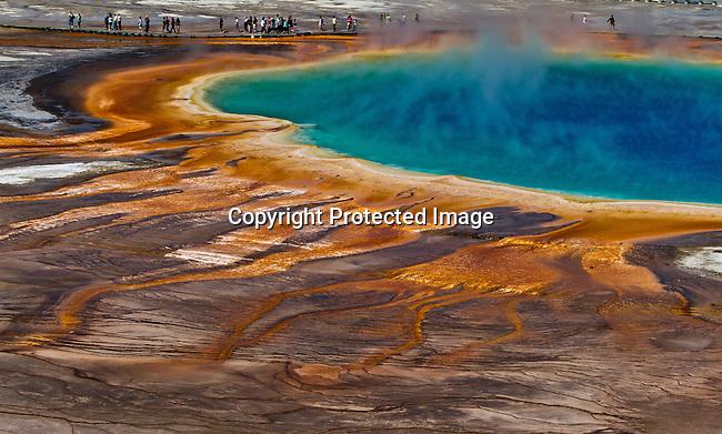 Yellowstone National Park, Wyoming/Montana.<br /> Jim Urquhart/Straylighteffect.com