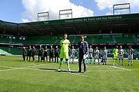 GRONINGEN - Voetbal, Open dag FC Groningen ,  seizoen 2017-2018, 06-08-2017,  FC Groningen doelman Segio Padt met presentator Koen Jansen