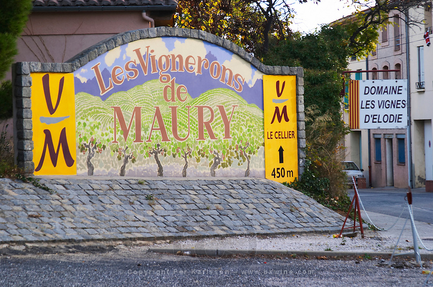Les Vignerons de Maury cooperative. Les Vignes d'Elodie. Maury. Roussillon. The wine shop and tasting room. France. Europe.