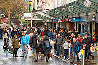 Last minute Christmas shoppers in Oxford Street, in Swansea, Wales, UK. Saturday 22 December 2018