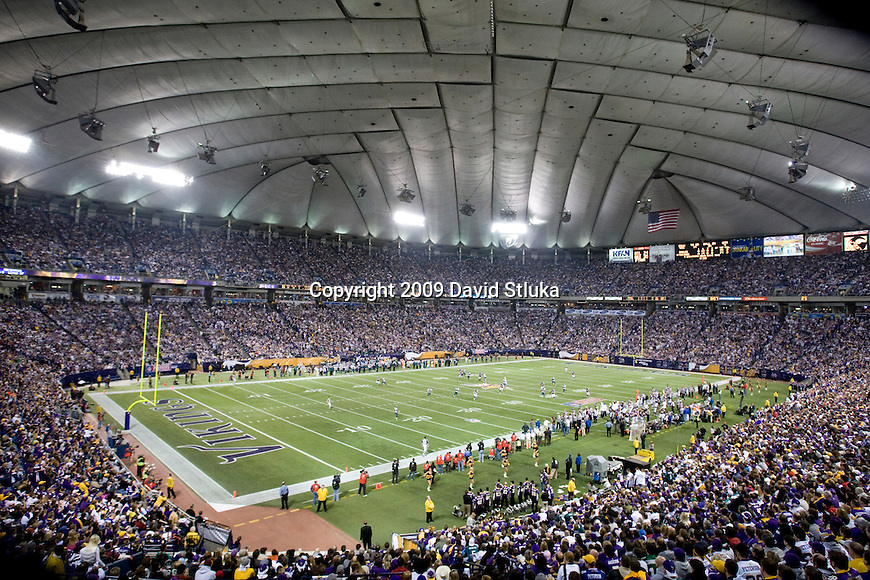 MINNEAPOLIS, MN - JANUARY 4: A general view of the Hubert H. Humphrey Dome during the Minnesota Vikings game against the Philadelphia Eagles during the NFC Wild Card playoff game on January 4, 2009 in Minneapolis, Minnesota. The Eagles beat the Vikings 26-14. (Photo by David Stluka)