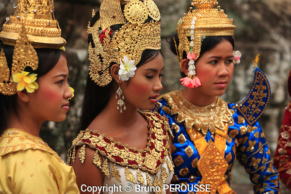 Asie, Cambodge, Siem Reap, danseuses traditionnelles//Asia, Cambodia, Siem Reap, traditional dancers