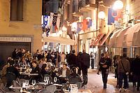 Passeggiata in Via Vittorio Emanuele, ad Alba.<br /> Street scene along Via Vittorio Emanuele, in Alba.<br /> UPDATE IMAGES PRESS/Riccardo De Luca