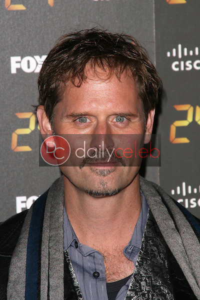 Jeffrey Nordling<br />
