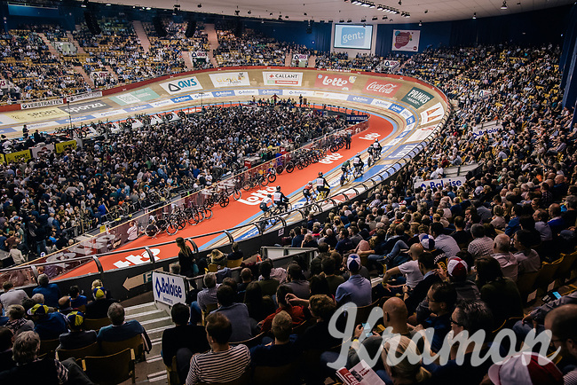 And once again a full house in 't Kuipke Velodrome<br /> <br /> derny race<br /> Lotto 6daagse Vlaanderen-Gent 2018 / Gent6<br /> day 5