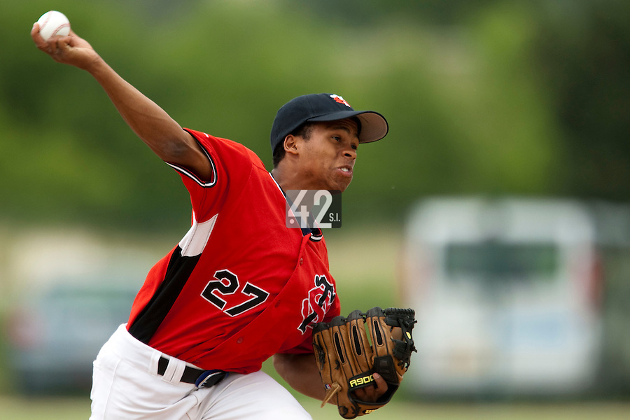 21 May 2009: Edison Garcia-Martinez of Toulouse pitches against Savigny during the 2009 challenge de France, a tournament with the best French baseball teams - all eight elite league clubs - to determine a spot in the European Cup next year, at Montpellier, France.