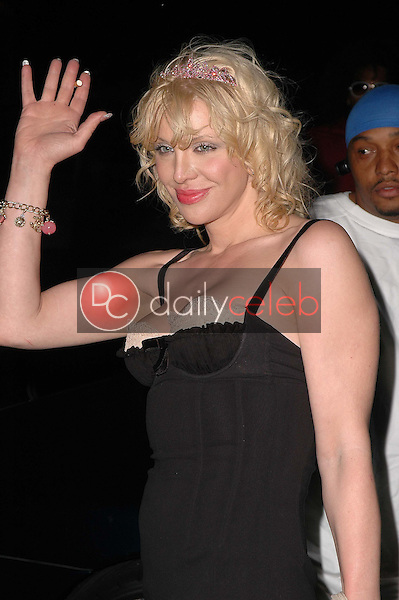 Courtney Love<br />at the 3rd Annual Work Hard, Play Harder Lounge benefitting Women For The World. W Hotel, Westwood, CA. 06-25-06<br />Dave Edwards/DailyCeleb.com 818-249-4998