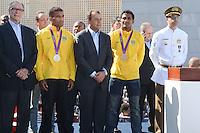 RIO DE JANEIRO, RJ, 15 AGOSTO 2012 - VISITA DA BANDEIRA OLIIMPICA AO COMPLEXO DO ALEMAO- O Governador Sergio Cabral, o Vice Governador Andre Pezao ,Carlos Arthus Nuzman,e os irmaos Falcao, medalhistas olimpicos na cerimonia de visitacao da Bandeira Olimpica no Complexo do Alemao em Bonsucesso zona nortedo Rio de Janeiro.(FOTO:MARCELO FONSECA / BRAZIL PHOTO PRESS).