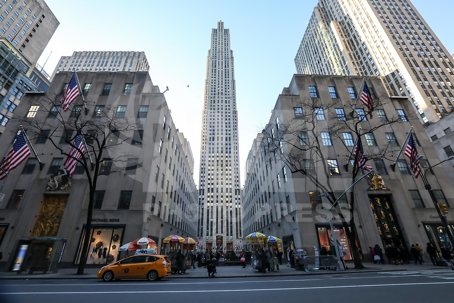 NEW YORK, NY, 19.03.2017 - ROCKEFELLER-PLAZA - Vista da fachada do Rockefeller Plaza em Manhattan na cidade de New York neste domingo, 19. (Foto: Vanessa Carvalho/Brazil Photo Press)