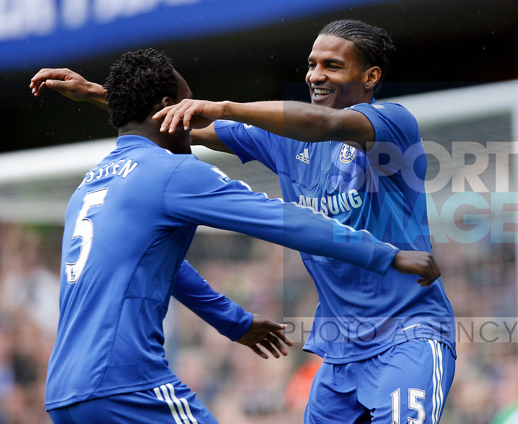 Chelsea's Flotrent Malouda celebrates his goal with his teamates