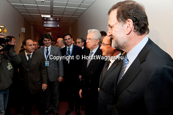 Brussels-Belgium - December 13, 2012 -- European Council, EU-summit meeting of Heads of State / Government; here, Mario MONTI (le), Prime Minister of Italy, Francois (François) HOLLANDE (ce), President of France, Mariano RAJOY BREY (ri), Prime Minister of Spain, during a trilateral meeting prior to the meeting of all 27 -- Photo: © HorstWagner.eu
