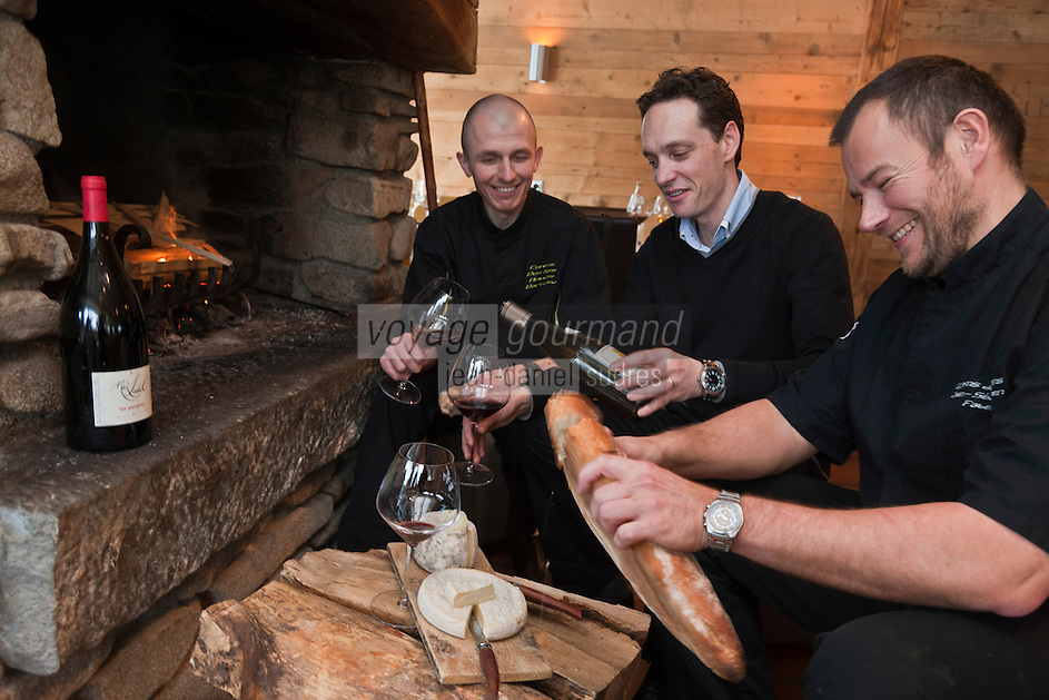 Europe/France/Rhône-Alpes/74/Haute-Savoie/Le Grand-Bornand: Restaurant: Les Confins des Sens - Jean-Sébastien Faber et Anthony Burricand, les deux chefs, plus Benoît Touchard, l'homme de salle, [Non destiné à un usage publicitaire - Not intended for an advertising use]