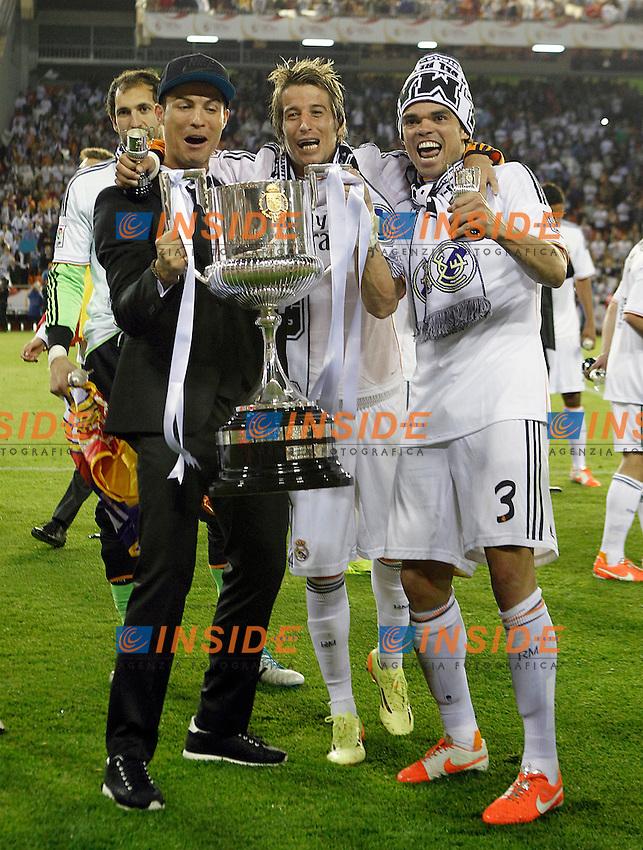 Real Madrid's Cristiano Ronaldo (l), Fabio Coentrao (c) and Pepe celebrate the victory in the spanish KIng's Cup Final match.April 16,2014. (ALTERPHOTOS/Acero) <br /> Finale Coppa del Re<br /> Real Madrid Barcellona <br /> Foto Insidefoto