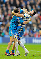 Johnnie Beatie of Scotland and Martin Castrogiovanni of Italy square up to each other as the game continues around them  - RBS 6 Nations - Scotland vs Italy -  Murrayfield Stadium - Edinburgh - 09/02/13 - Picture Simon Bellis/Sportimage .Edinburgo 9/2/2013 .Rugby 6Trofeo 6 Nazioni.Scozia Italia.Foto Insidefoto ITALY ONLY