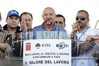 Roma, 16 Giugno 2012.Manifestazione nazionale dei sindacati Cgil, Cisl e Uil contro la riforma del lavoro. Piazza del Popolo. .Luigi Angeletti segretario Uil.
