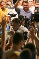 BELO HORIZONTE, MG, 22.10.2014 – ELEIÇÕES 2014 – SENADOR AÉCIO NEVES - Senador Aécio Neves candidato a presidencia no ato pela mudança em Belo Horizonte, na Praça da Estação, na noite desta quarta (22) (Foto: MARCOS FIALHO / BRAZIL PHOTO PRESS)
