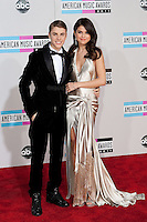 11/20/11 Los Angeles, CA: Justin Bieber and  Selena Gomez during the arrivals at the 2011 American Music Awards held at the Nokia Theatre.