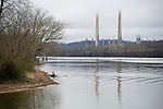 The Kingston coal plant and the Clinch river in Harriman, Tennessee.