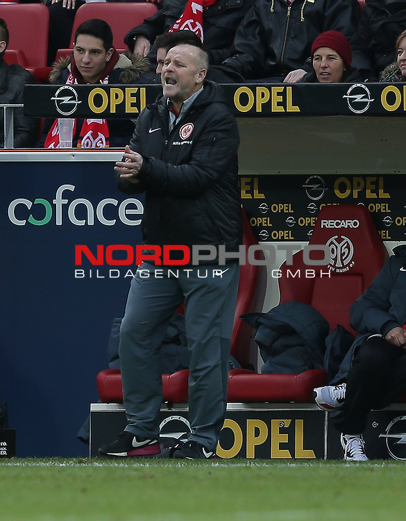21.02.2015, Coface-Arena, Mainz, 1. Liga  2014/2015, 22. Spieltag R&uuml;ckrunde, 1. FSV Mainz 05 vs. Eintracht Frankfurt<br /> Trainer Thomas Schaaf (Frankfurt)<br /> Foto &copy; nordphoto /  Bratic