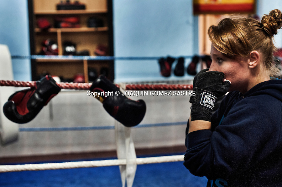 Maria Alicante a female boxer during boxing training in Martinez boxing club in the same city. <br /> He divides his time between work and preparation to pursue professional boxing.
