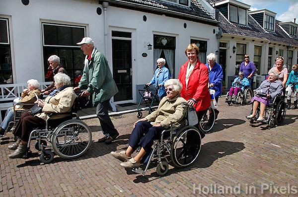 Seniorenvierdaagse in Monnickendam. Toestemming gekregen van de organisatie, om de foto redactioneel te gebruiken.
