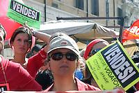 Roma   5 Ottobre 2007.Manifestazione dei lavoratori della Vodafone contro i licenziamenti e la Legge 30, in piazza Santi Apostoli.
