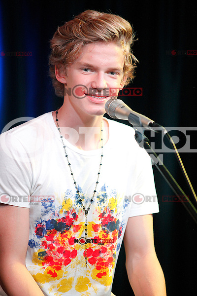 Cody Simpson visits Q102's iHeart Radio Performance Theater in Bala Cynwyd, Pa on August 10, 2012  © Star Shooter / MediaPunchInc /NortePhoto.com*<br /> <br /> **CREDITO*OBLIGATORIO** <br /> *No*Venta*A*Terceros*<br /> *No*Sale*So*third*<br /> *** No Se Permite Hacer Archivo**
