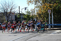 NOVA YORK, EUA, 04.11.2018 - MARATONA-EUA - Maratonistas são vistos após a largada da Maratona da cidade de Nova York nos Estados Unidos neste domingo, 04. (Foto: William Volcov/Brazil Photo Press)