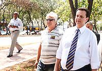 ATENCAO EDITOR FOTO EMBARGADA PARA VEICULO INTERNACIONAL - SAO PAULO, SP, 04 DE OUTUBRO 2012 - CICLOVIA BRAS LEME - Prefeito de Sao Paulo, Gilberto Kassab durante Inauguração da Ciclovia Bras Leme na regiao norte da capital paulista, nesta quinta-feira. FOTO: WILLIAM VOLCOV - BRAZIL PHOTO PRES