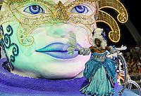 SAO PAULO, SP, 24 DE FEVEREIRO 2012 - CARNAVAL SP DESFILE CAMPEAS - NENE DE VILA MATILDE - Integrante da escola de samba Nene de Vila Matilde durante desfile das campeãs  do Carnaval 2012 de São Paulo, no Sambódromo do Anhembi, na zona norte da cidade, (FOTO: ALE VIANNA - BRAZIL PHOTO PRESS)