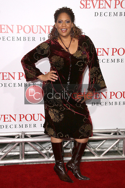 Kym Whitley <br /> at the Los Angeles Premiere of 'Seven Pounds'. Mann Village Theatre, Westwood, CA. 12-16-08<br /> Dave Edwards/DailyCeleb.com 818-249-4998
