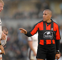 Wycombe. GREAT BRITAIN, Premiership Referee, David ROSE, during the, Guinness Premiership game between, London Wasps and Leicester Tigers on 25/11/2006, played at the Adam Park, ENGLAND. Photo, Peter Spurrier/Intersport-images]