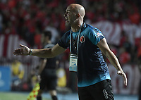 CALI - COLOMBIA, 02-05-2019: Sebastian Mendez técnico del Cúcuta gesticula durante partido por la fecha 19 de la Liga Águila I 2019 entre América de Cali y Cúcuta Deportivo jugado en el estadio Pascual Guerrero de la ciudad de Cali. / Sebastian Mendez coach of Cucuta gestures during match for the date 19 as part of Aguila League I 2019 between America de Cali and Cucuta Deportivo played at Pascual Guerrero stadium in Cali. Photo: VizzorImage / Gabriel Aponte / Staff