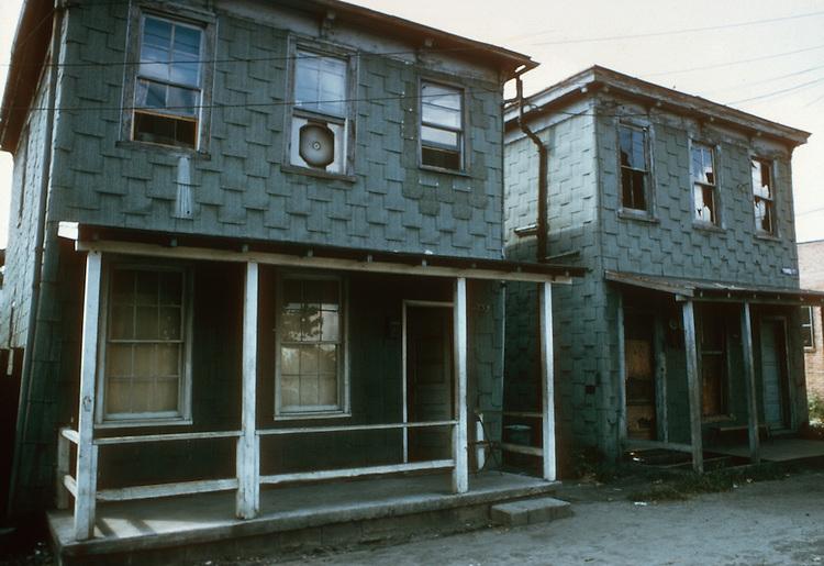 1970 August ..Redevelopment.E Ghent North (A-1-2)..SLUM CONDITIONS...NEG#.NRHA# 3756..