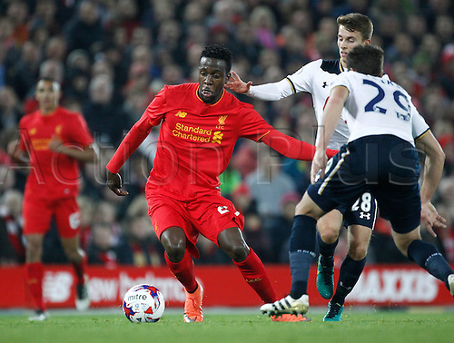 25.10.2016. Anfield, Liverpool, England. EFL Cup. Liverpool versus Tottenham Hotspur. Liverpool forward Divock Origi takes on Tottenham's Harry Winks.
