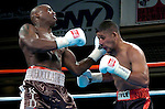 Peter Quillin vs Tomas Padron - Middleweight  Fight - 04.20.06