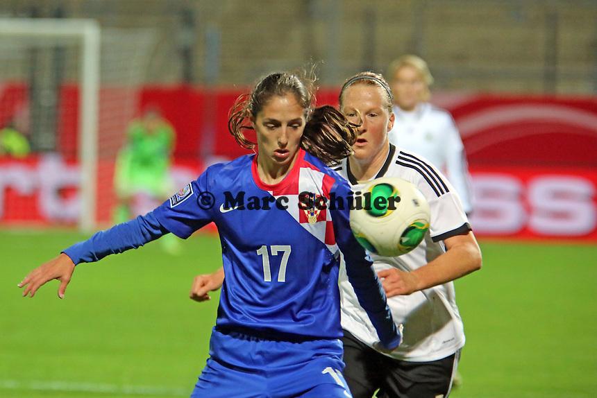Melanie Behringer (D) gegen Izabela Lojna (CRO) - Deutschland vs. Kroatien, WM-Qualifikation, Frankfurter Volksbank Stadion