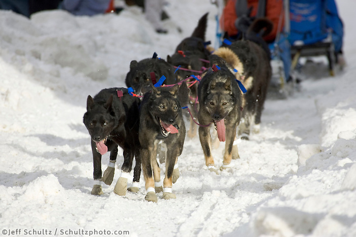 John Baker @ Cordova Street Crossing Ceremonial Start Iditarod 2005