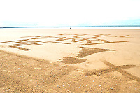 2014 07 11 Couple marriage proposal on Aberavon beach,UK