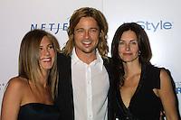 "©2003 KATHY HUTCHINS /HUTCHINS PHOTO.PROJECT ALS ""FRIENDS FINDING A CURE"" GALA .BEVERLY HILLS, CA.APRIL 14, 2003..JENNIFER ANISTON.BRAD PITT.COURTNEY COX"