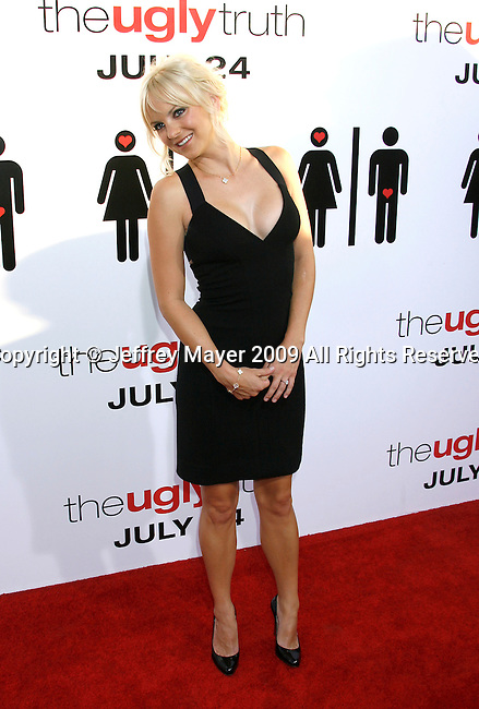 """HOLLYWOOD, CA. - July 16: Anna Faris arrive at the Los Angeles premiere of """"The Ugly Truth"""" held at the Pacific's Cinerama Dome on July 16, 2009 in Hollywood, California."""