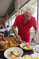 Europe/Provence-Alpes-Côte d'Azur/83/Var/Rayol-Canadel-sur-Mer: Restaurant: A Maurin des Maures - Dédé Delmonte sert sa bouillabaisse