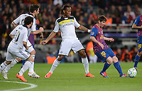 FUSSBALL   CHAMPIONS LEAGUE SAISON 2011/2012   HALBFINALE   RUECKSPIEL        FC Barcelona - FC Chelsea       24.04.2012 Alle gegen Einen: Juan Mata, Frank Lampard, Didier Drogba (FC Chelsea) gegen Lionel Messi (re, Barca)