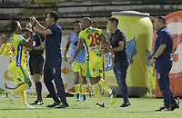 NEIVA - COLOMBIA, 13-09-2015: Jugadores de Atlético Huila celebran después de anotar un gol a Envigado F.C. durante partido por la fecha 17 de la Liga Águila II 2018 jugado en el estadio Guillermo Plazas Alcid de la ciudad de Neiva. / Players of Atletico Huila celebrate after scoring a goal to Envigado F.C. during match valid for the date 17 of the Aguila League II 2018 played at Guillermo Plazas Alcid in Neiva city. VizzorImage / Sergio Reyes / Cont