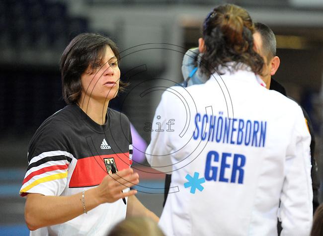 DKB EM Europameisterschaft Moderner Fünfkampf in Leipzig - Qualifikation - im Bild: Bundestrainerin Kim Raisner (l.) gibt Lena Schöneborn Hinweise . Foto: Norman Rembarz..